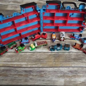 Thomas & Friends 16 diecast pieces + Carrying Case